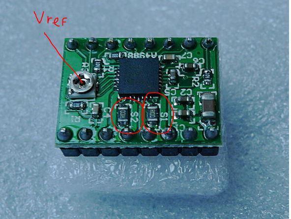 Расположение токоограничительных резисторов и потенциометра Vref